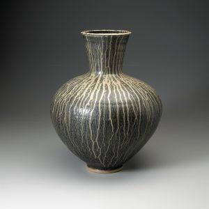 01-8911-vase-one